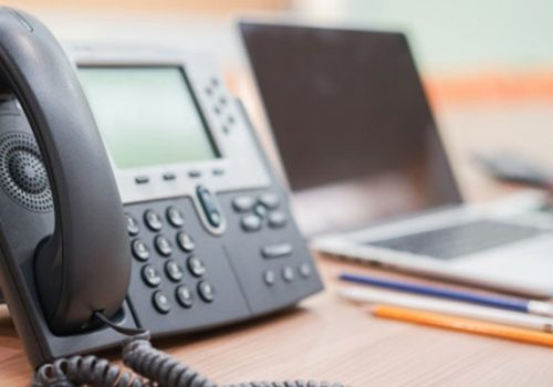11 features of help desk phone service